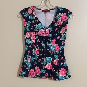 Red Tag Saks Fifth Avenue Small Petite Floral Top